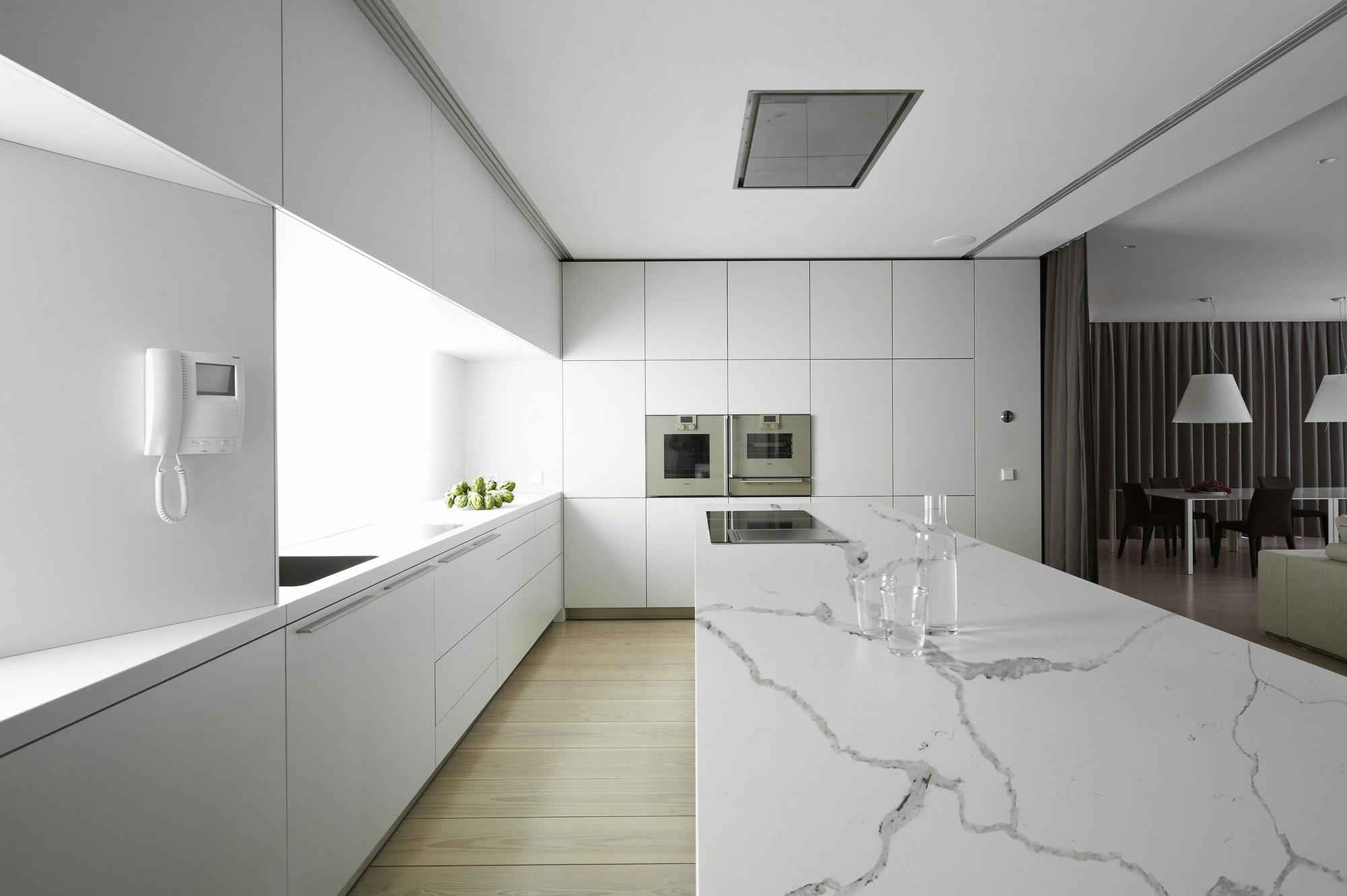 Stone design colorquartz calacatta novus for Novus küchen